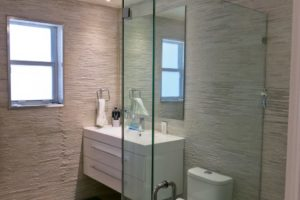 Bathroom Designs with Stacked Stone Tile