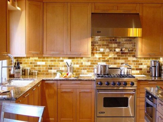 Everything-You-Need-to-Know-Before-Choosing-the-Perfect-Backsplash-for-Your-Kitchen-1-550x413