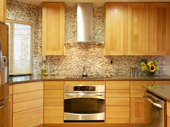Everything-You-Need-to-Know-Before-Choosing-the-Perfect-Backsplash-for-Your-Kitchen-11-550x413
