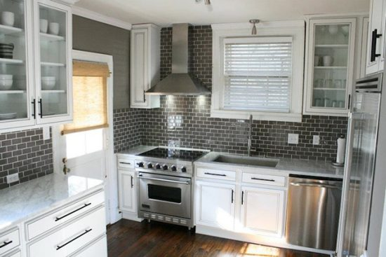 Everything-You-Need-to-Know-Before-Choosing-the-Perfect-Backsplash-for-Your-Kitchen-15-550x367