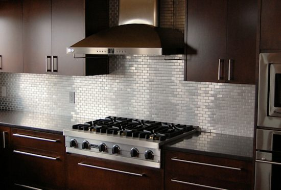 Everything-You-Need-to-Know-Before-Choosing-the-Perfect-Backsplash-for-Your-Kitchen-5-550x372
