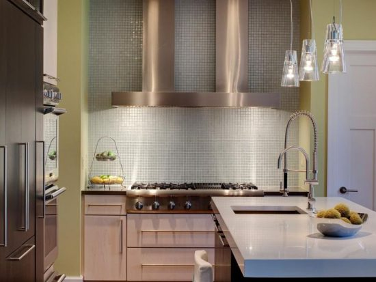 Everything-You-Need-to-Know-Before-Choosing-the-Perfect-Backsplash-for-Your-Kitchen-8-550x413