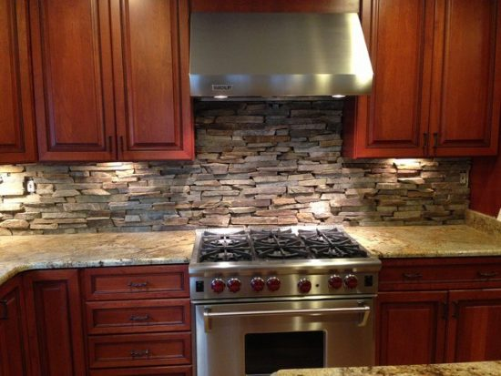 Stacked Stone Backsplash makes an attractive kitchen backsplash
