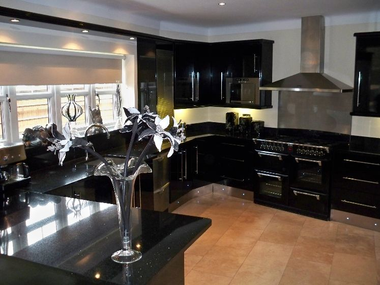 C luxury-contemporary-black-kitchen-furniture